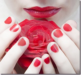 red-nails-thumb7797667